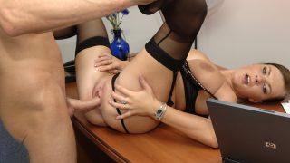 Büro gefickt Porno